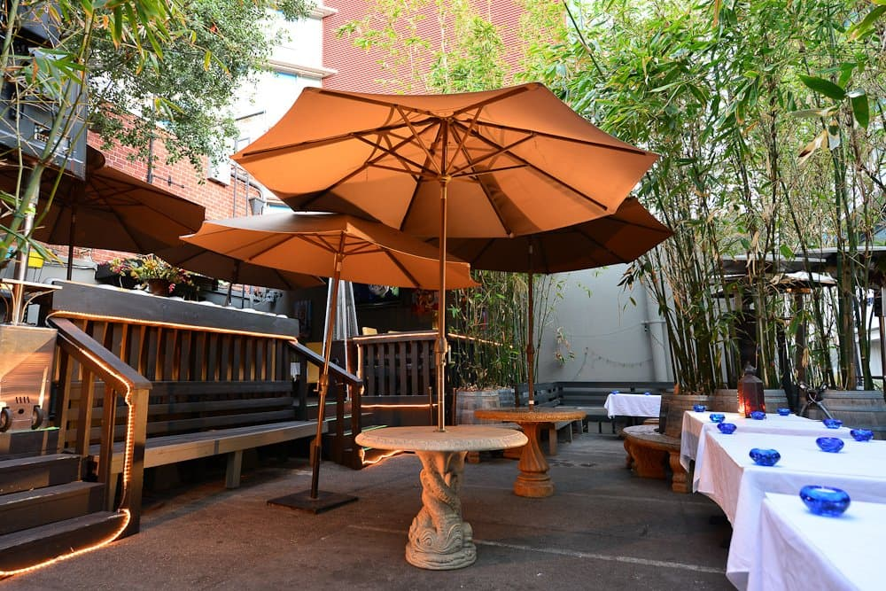 Hollywood Hookah Patio